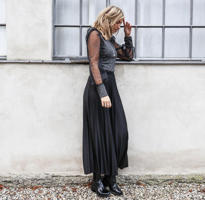 plisse-sortnederdel-greymatter-fest-outfit-nytaars-toej.jpg