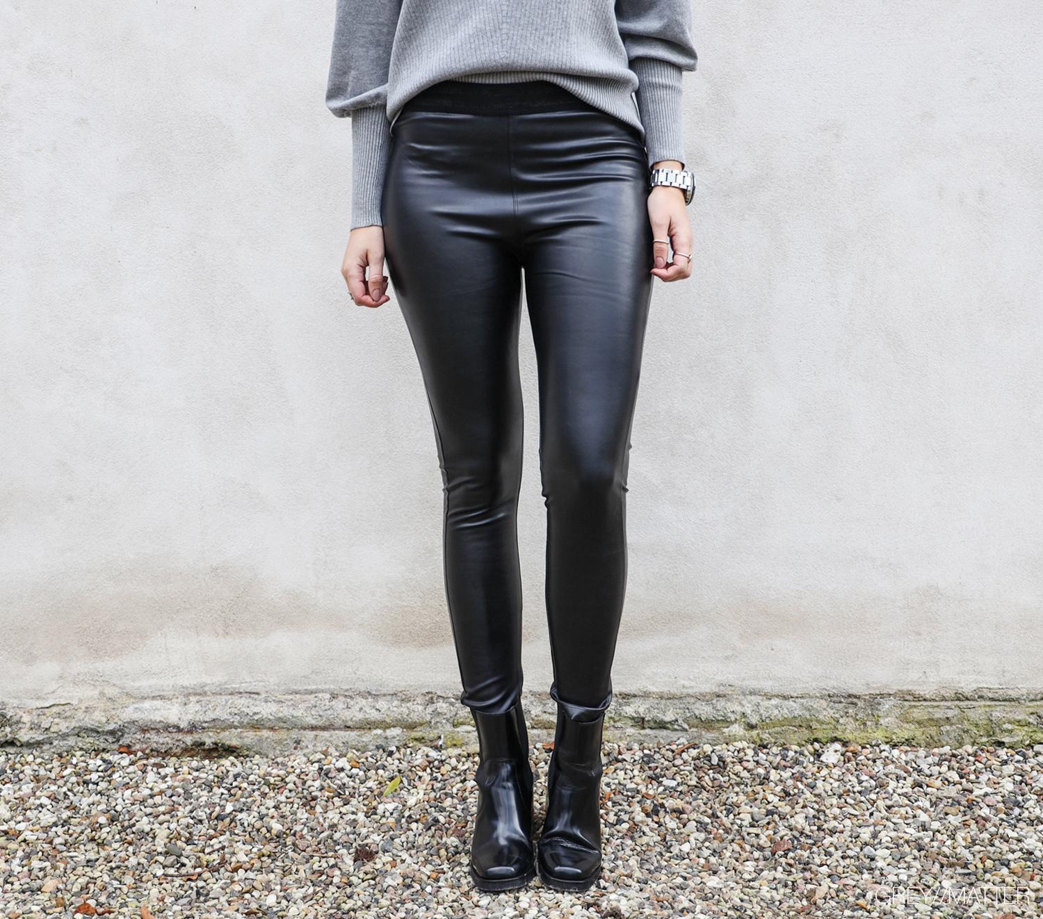 sorte-leggings-med-foer-kelsey-bluse-neo-noir.jpg