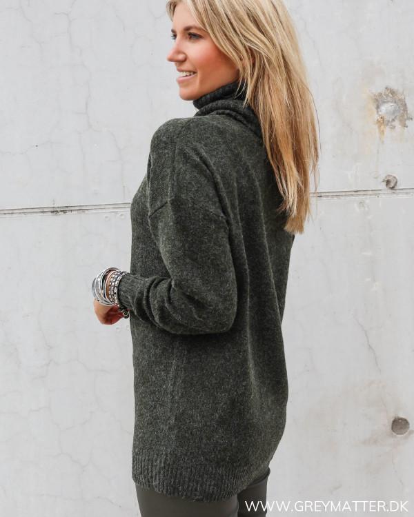 Pullover med rullekrave i strik fra Vila