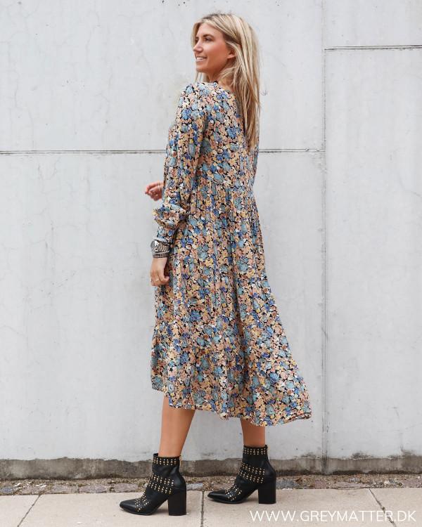 Smuk kjole fra Pieces med print