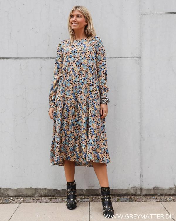 Lang ærmet kjole fra Pieces med print