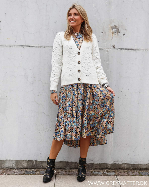 Pieces Pcbibi cardigan i hvid stylet med blomster printet Pieces kjole