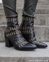 Classic Rivets Gold New Nero Boots