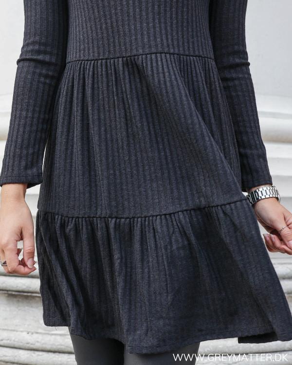 Hverdags kjole fra Vila i rib