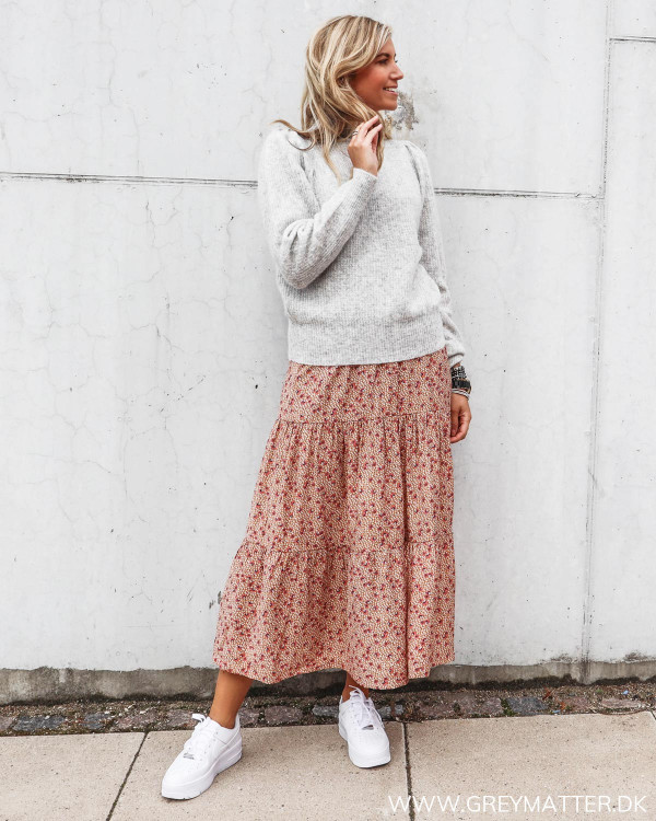 Nederdel fra Vila stylet med grå Neo Noir strik