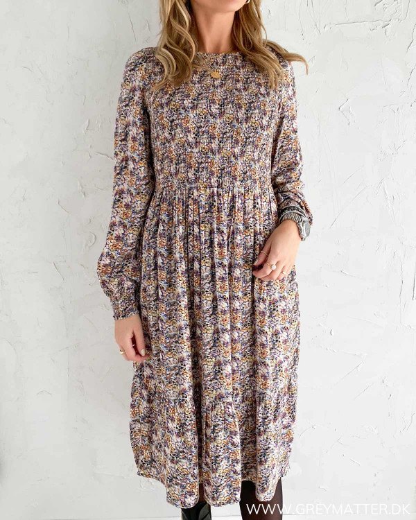 Smuk kjole fra Pieces med smock