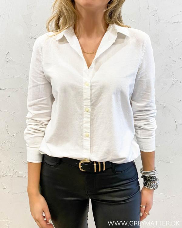 Oxford skjorte fra Pieces i hvid til damer