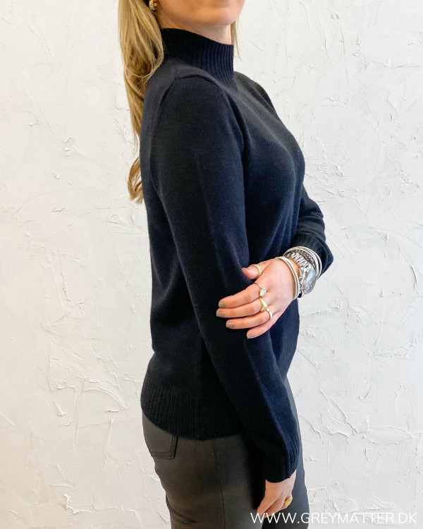 Viril Turtleneck Black Knit
