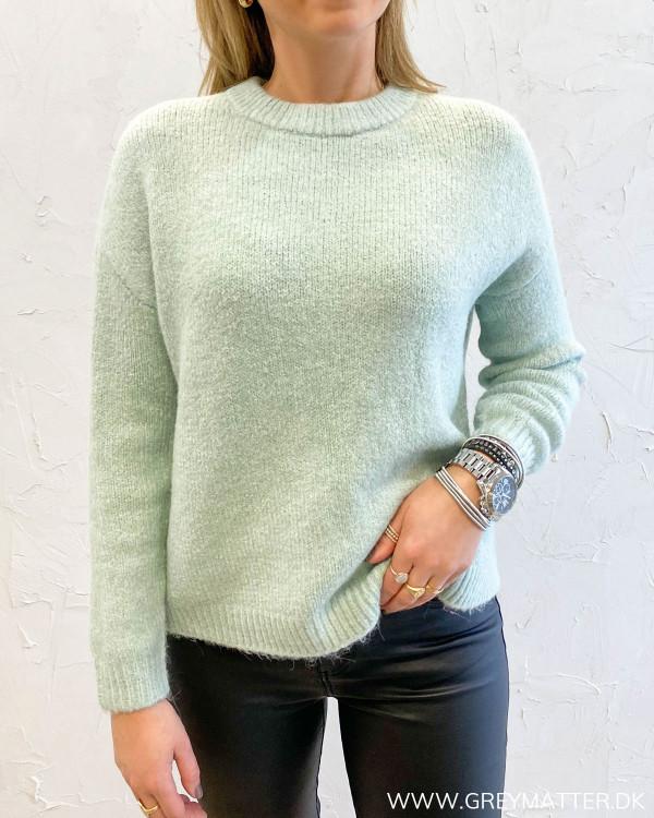 Onyzoey Jadeite Pullover Knit