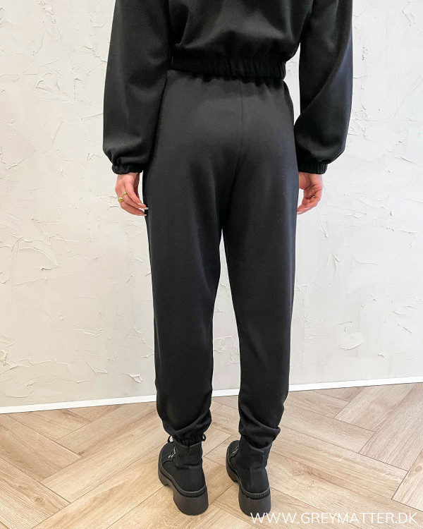 Onlscarlett Black Sweat Pants