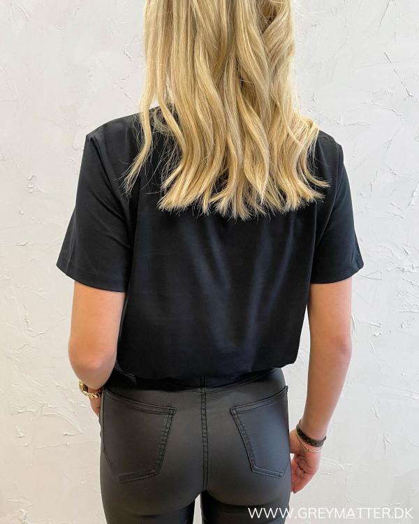 Vitessa Black Perfect T-Shirt