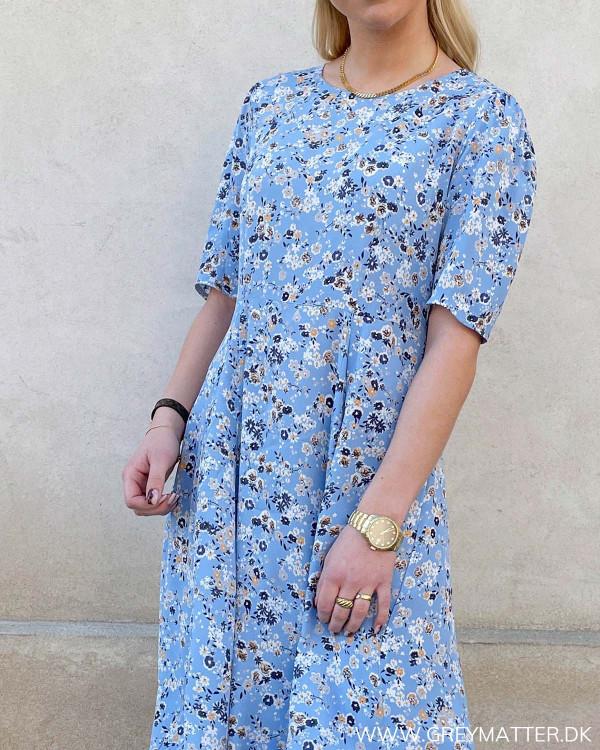 Smukke kjoler til damer online