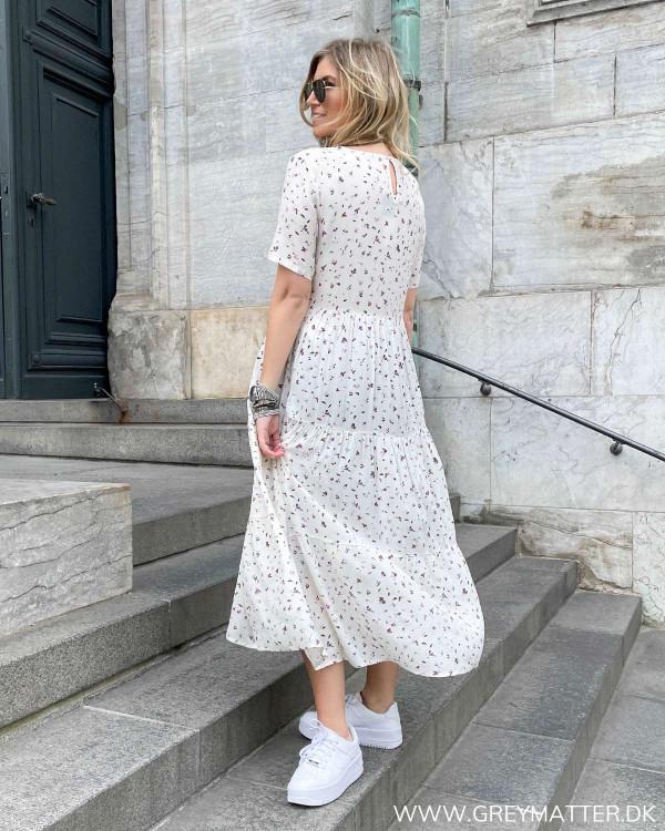 Kjole med fint print fra Only