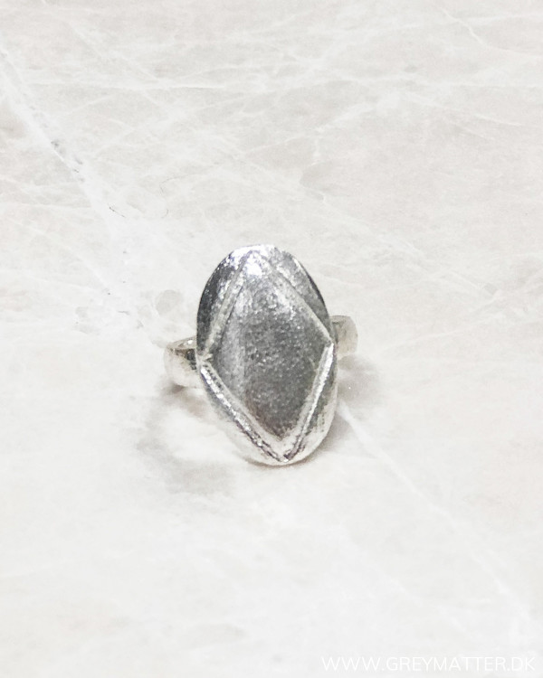 Simple Silver Oval Ring