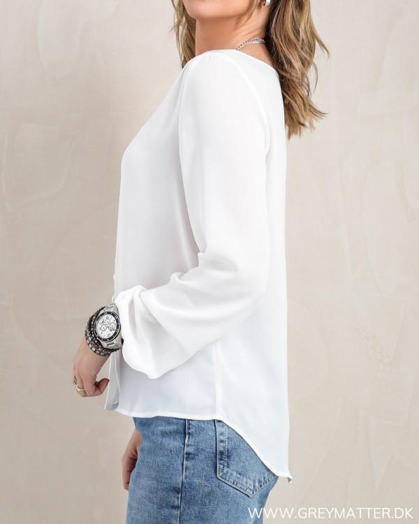 Hvid skjorte fra Vila set fra siden