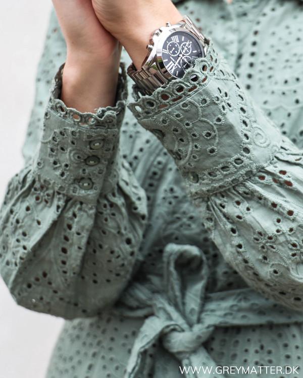 Kjole fra YAS i 100% økologisk bomuld
