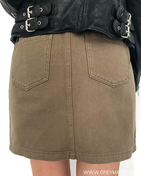 Army cargo nederdel med mange detaljer, her set bagfra