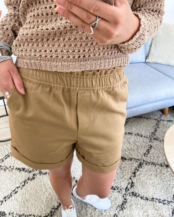 Vila shorts i farven Dusty Camel