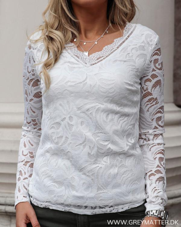 Vistasia Snow White Lace Top