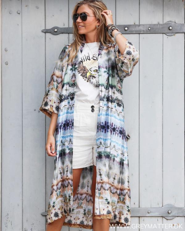 Karmamia Nikki kimono med trendy tie dye print