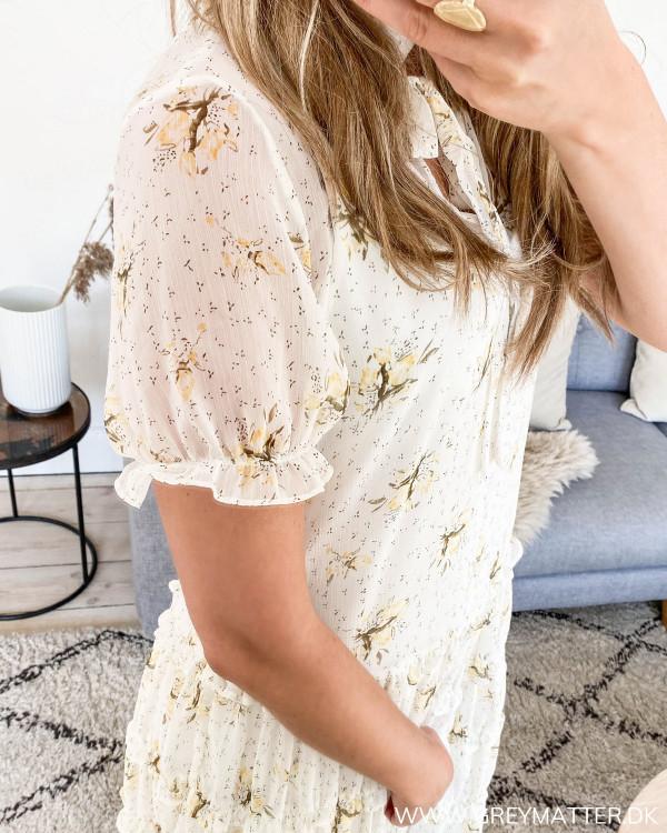 Vila kjole med kort ærme med ballon effekt