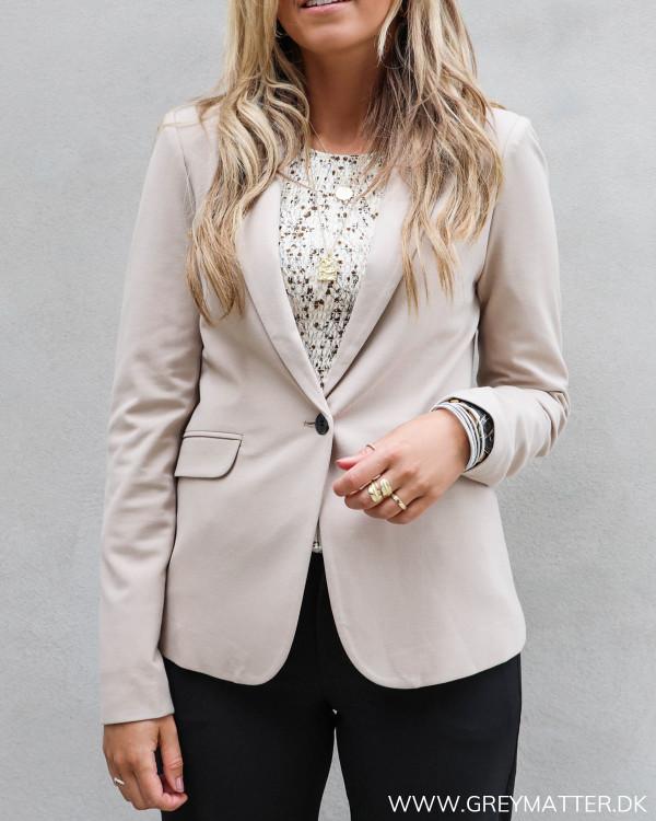 Blazerjakke til damer fra Neo Noir i jersey kvalitet