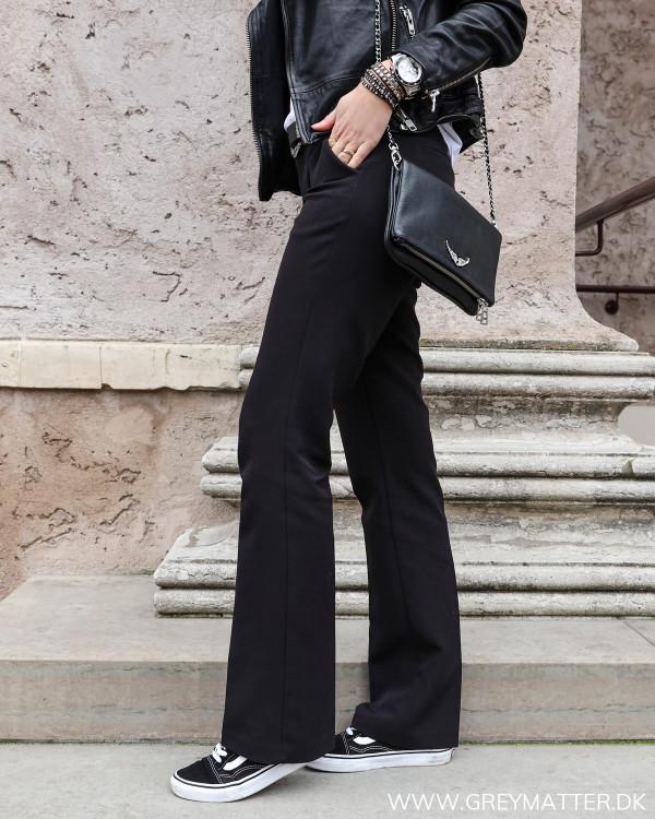 Neo Noir Cassie Pants set fra siden