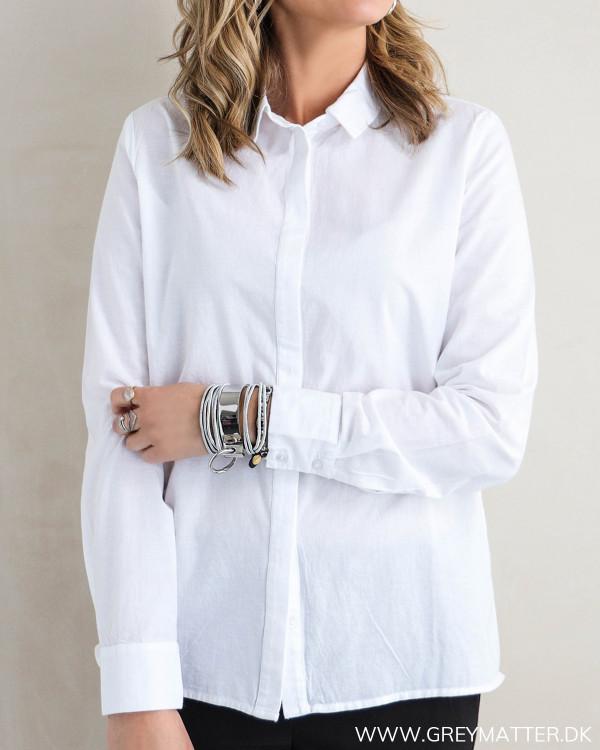 Hvid skjorte til damer