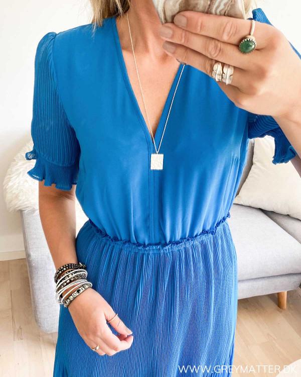 Blå kjole fra YAS