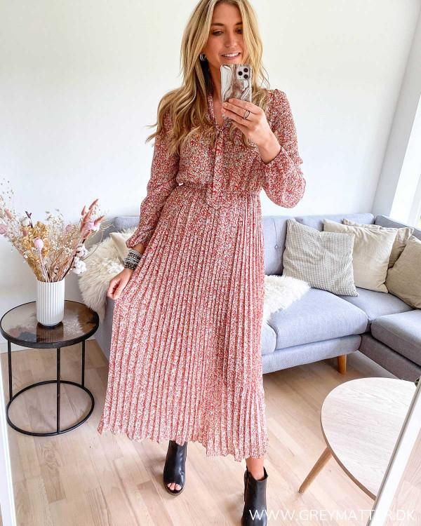 Lang kjole med plissé