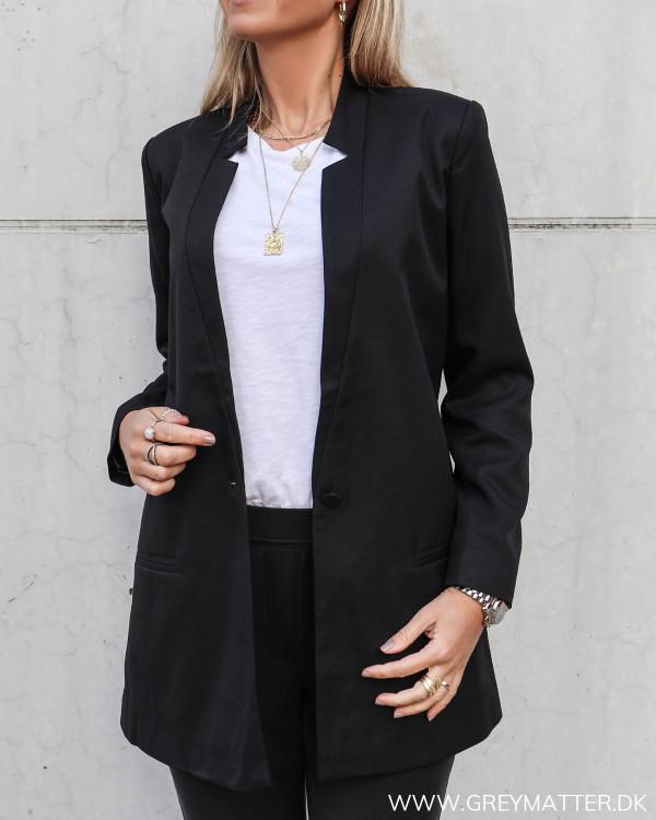 Blazer jakke til damer i klassisk stil