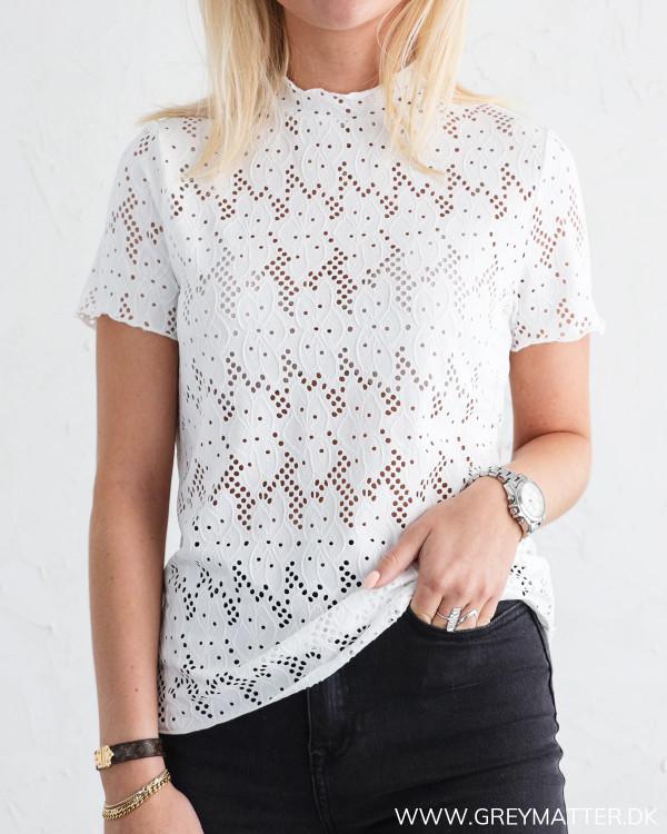 Blonde bluse i hvid fra Vila