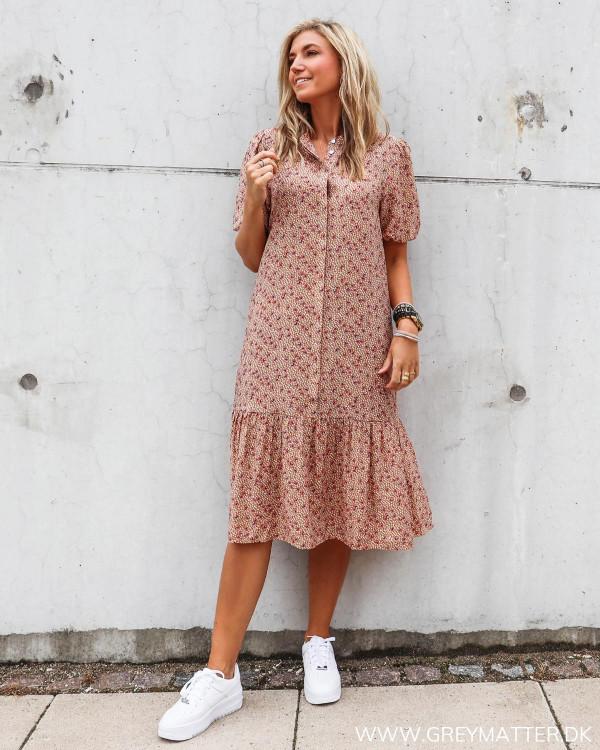 Flot kjole fra Vila med print