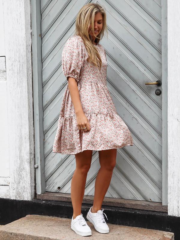 Vila kjole med smukt blomsterprint